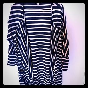 Charming Charlie open cardigan with pockets